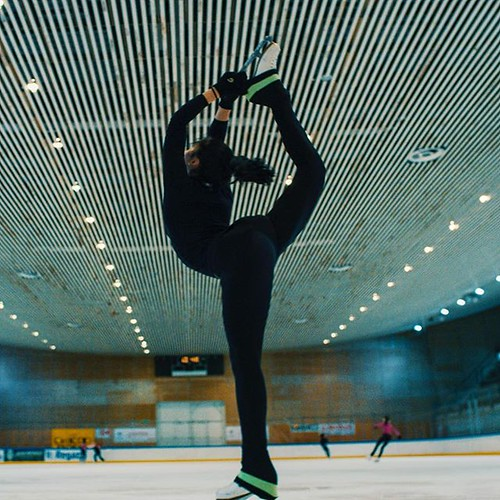 Warming up! #truecolorfilms #figureskating #screengrab #r3d #reddigitalcinema | by True Color Studio