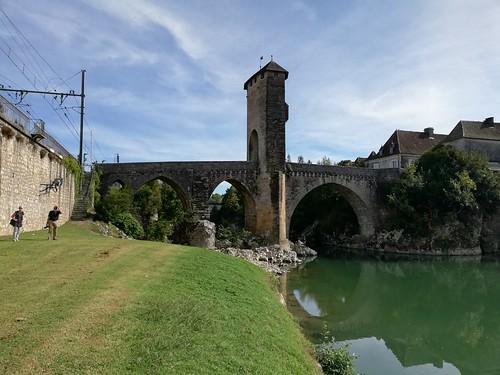 Pont Vieux vue de la Gave. Orthez