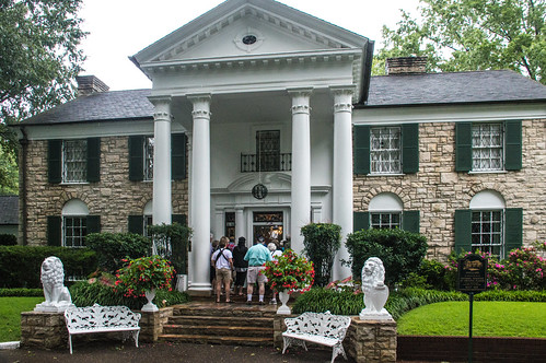 Graceland Mansion Exterior