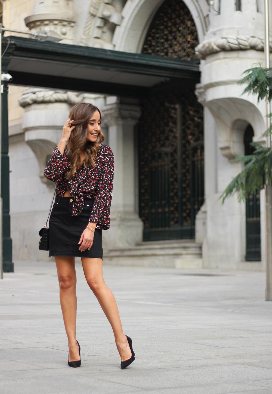 black flower shirt black denim skirt black heels givenchy bag autumn outfit street style 201802
