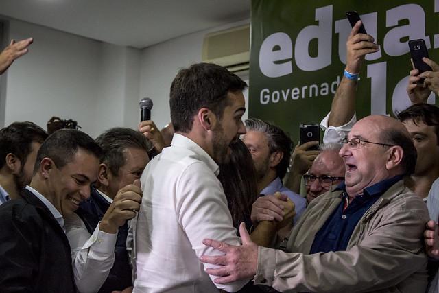 Eduardo Leite festeja a eleição para governo do estado