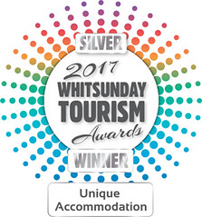Tourim Whitsunday Awards Silver Winner Logo 2017 - Unique Accom - Copy