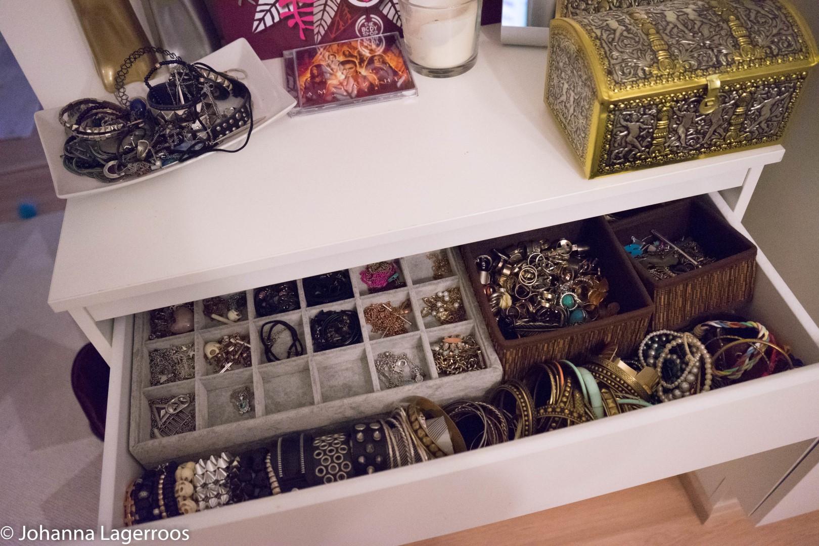 decluttering jewelry