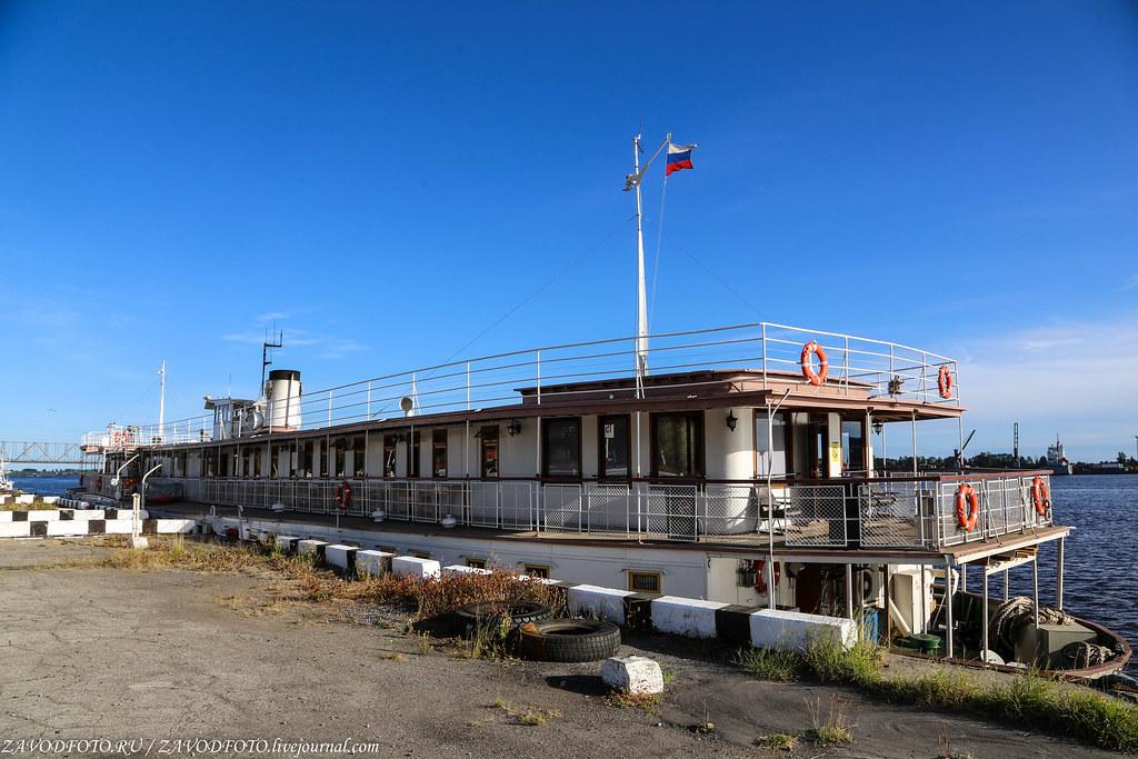 Самое старое пассажирское судно России