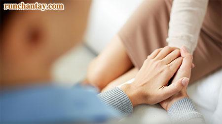 Người trẻ rất dễ bị run tay do những áp lực trong cuộc sống hàng ngày