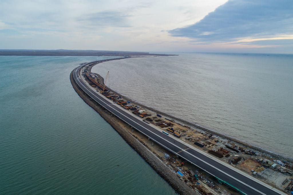 Автомагистраль соединяет два материка