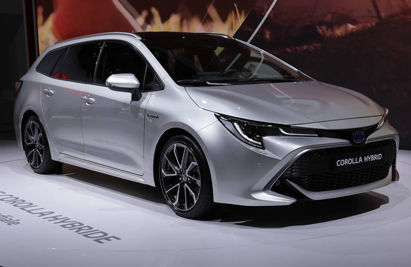 toyota-corolla-sports-tourer (1)