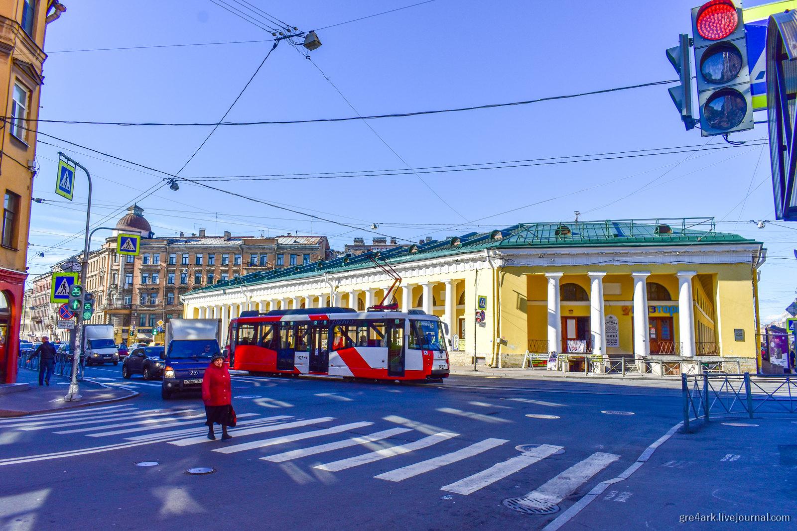 Петербург: плохие улицы, лошадиная сила и вода пешеходный переход