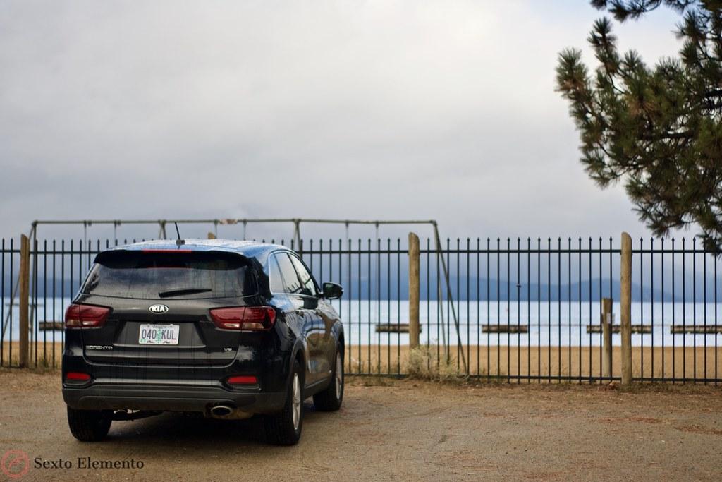 kia-sorento-lake-tahoe-beach