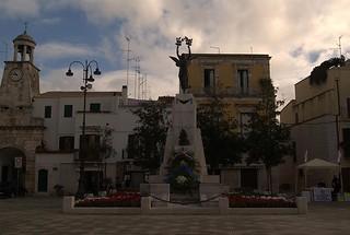 Monumento ai Caduti casamassima