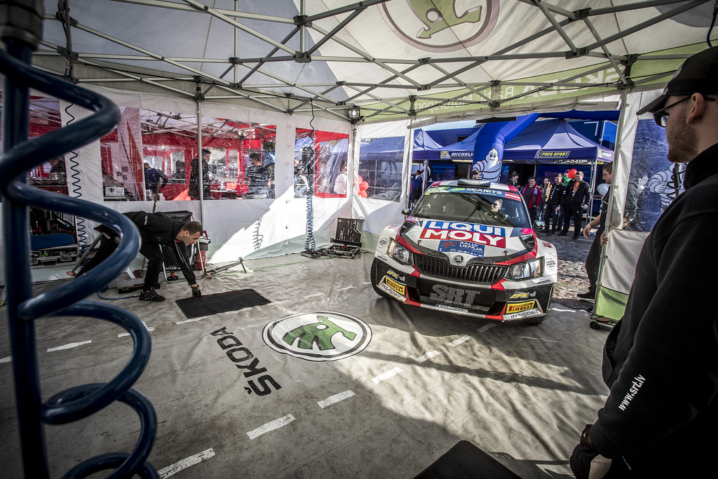 01 GRYAZIN Nikolay , (LVA), Yaroslav FEDOROV, (RUS), Sports Racing Technologies, Skoda Fabia R5, Action during the 2018 European Rally Championship ERC Liepaja rally,  from october 12 to 14, at Liepaja, Lettonie - Photo Gregory Lenormand / DPPI