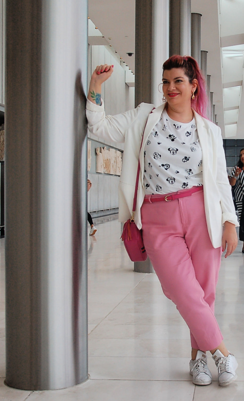 Outfit plus size bianco e rosa (5)