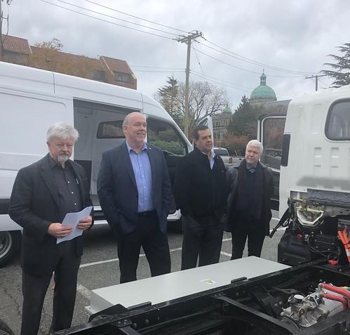 Presentación de los vehículos eléctricos de Envirotech en Victoria