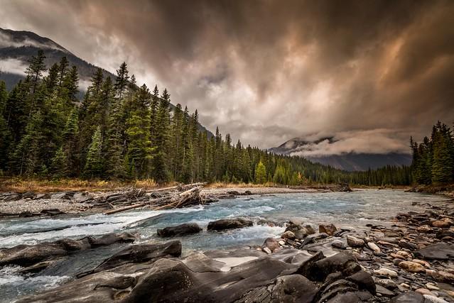 Rushing waters, Nikon D800, AF-S Zoom-Nikkor 14-24mm f/2.8G ED