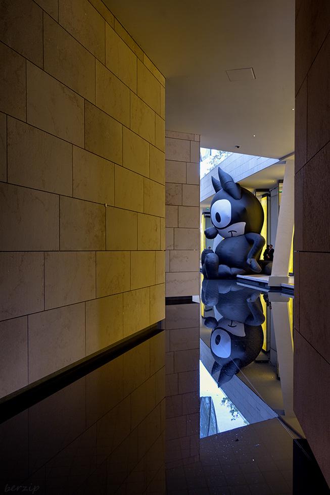 jeux de reflets à la Fondation Louis Vuitton 44503252854_02b6044a55_o