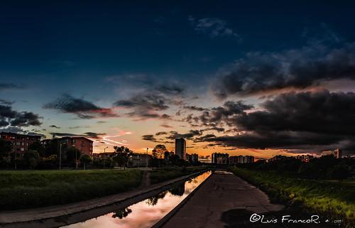 atardecerenlaciudaddebogotabogotasunset luisfrancor sunset atardecer bogotá reflects reflejos ngw ng ngc ngs ngd ngg
