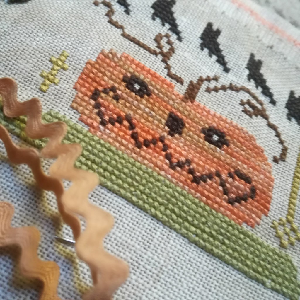 cross stitch, halloween, pumpkin (2)