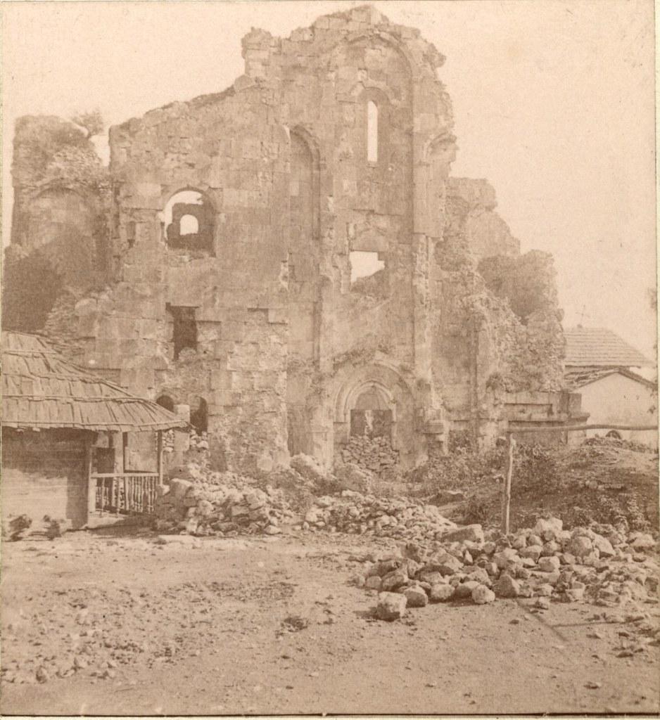 Развалины монастыря Соломона. Западная стена