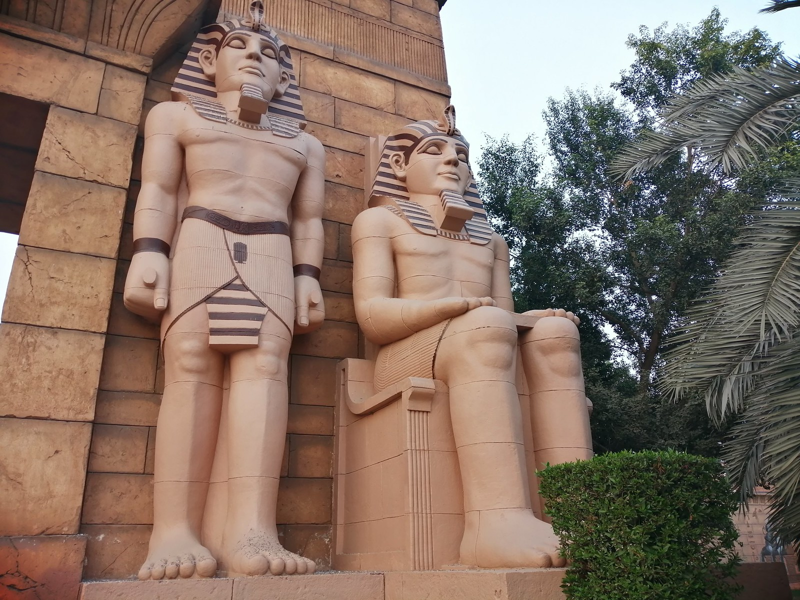 Statues image with AI Mode on Huawei Y9 2019