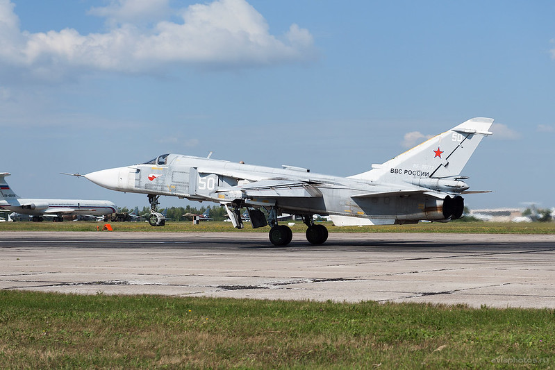 Sukhoi_Su-24M_RF-90772_50white_Russia-Airforce_156_D704768