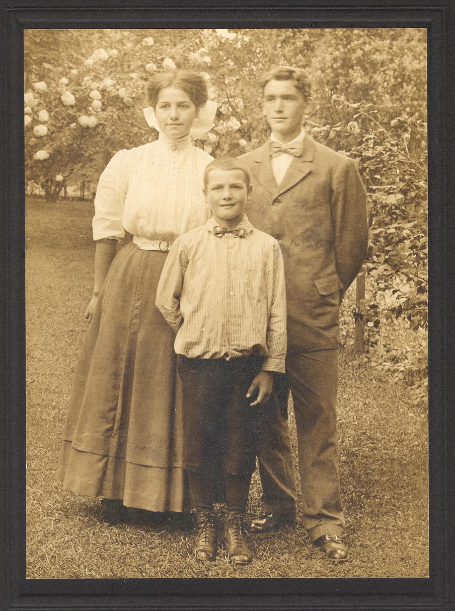 Weil_Marie_Conrad_George_1910