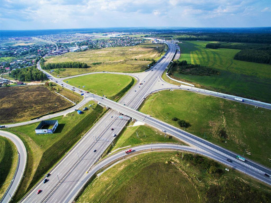 Сложная система дорожных развязок
