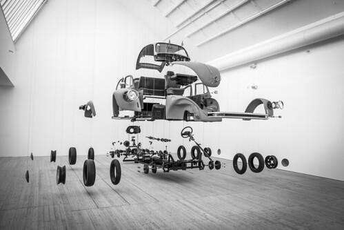 marcial bernabeu bernabéu sweden swedish suecia sueco sueca scandinavia escandinavia monochrome monocromo car coche vehiculo vehículo automóvil automovil automobile vehicle modern museum museo moderno malmo malmoe malmö konsthall contemporary art arte contemporaneo contemporáneo