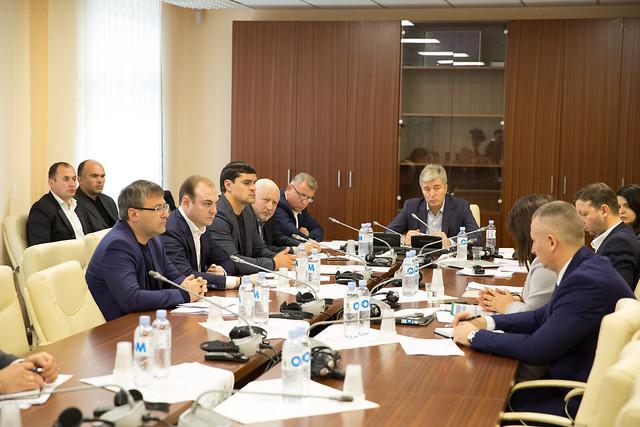 Şedinţa Comisiei securitate naţională, apărare şi ordine publică