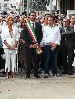Il sindaco Giuseppe Nitti tra la dirigente Maria Morisco e Marco Vacchiano