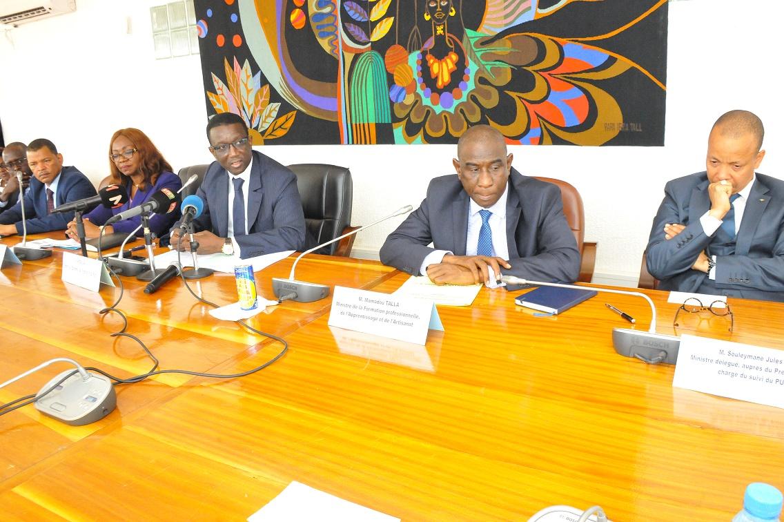 Amadou Ba lors de la Signature des Accords de prêt portant sur le financement des projets du PSE avec la BAD (12)