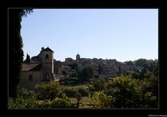 Le village de Lourmarin- Vaucluse- France - Photo of Sannes