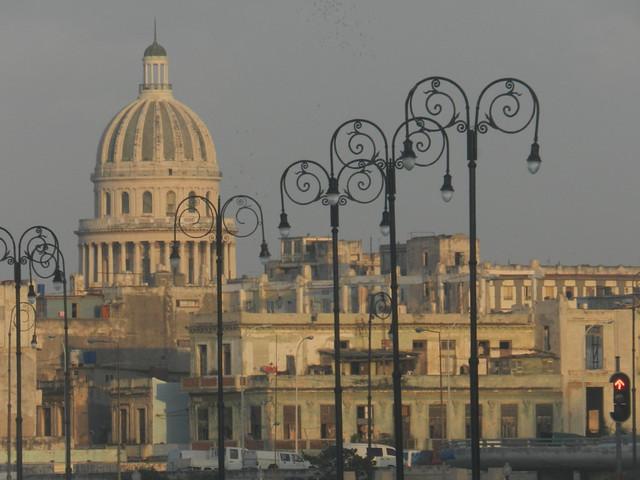 Malecón, Centro Habana, Nikon COOLPIX P500