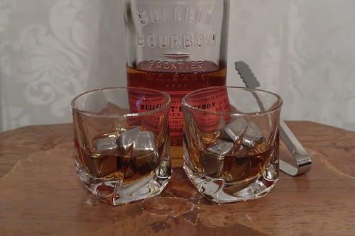 Bulleit Bourbon in unseren neuen Whiskey Gläsern