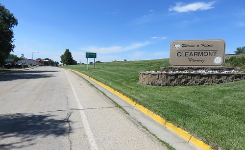 Entering Clearmont (Clearmont, Wyoming)