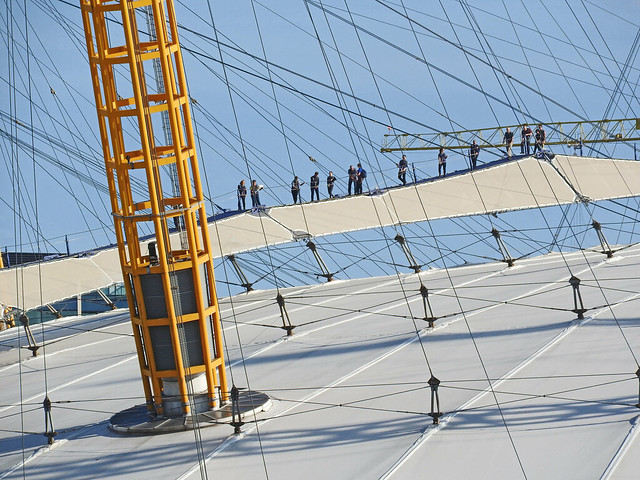 Climbing over the O2, Nikon COOLPIX P610