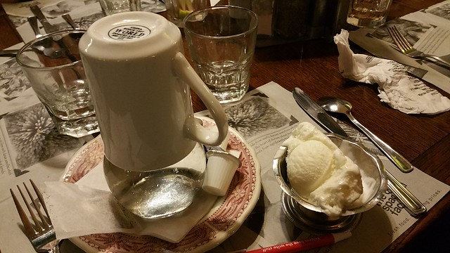 2018-Sept-25 - The Old Spaghetti Factory - tea and ice cream