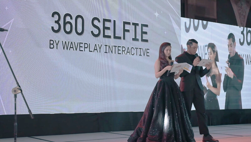 Holo Foto by 360 Selfie at the E! Bloggers Ball 2018