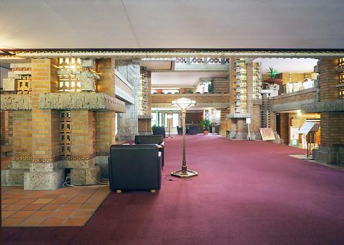 帝国ホテル中央玄関内部2