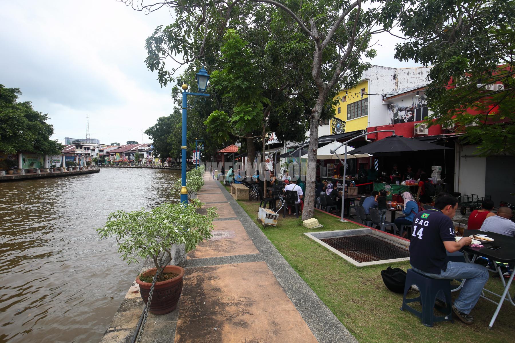 Cendol-Kampung-Hulu-Melaka-River-View