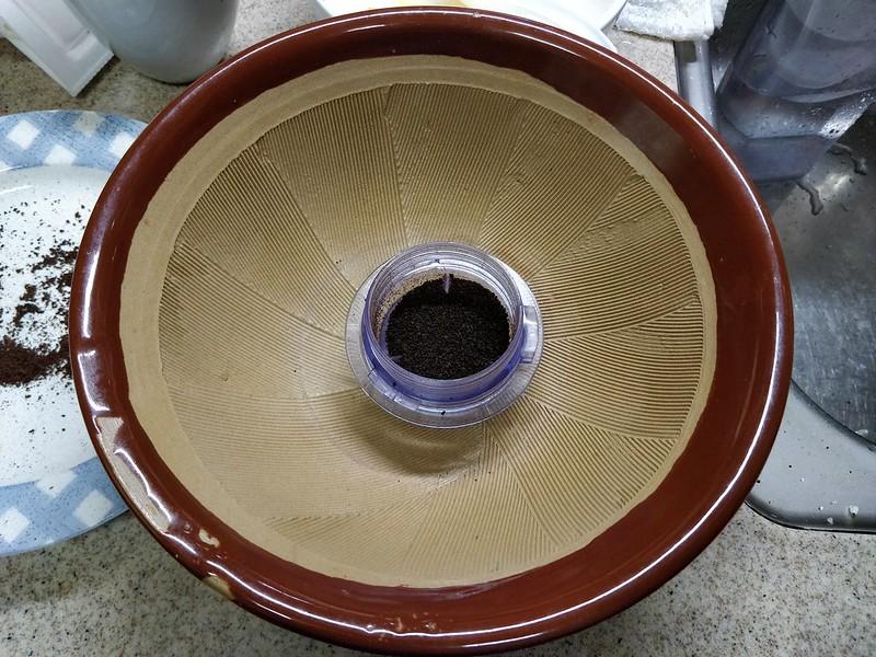 コーヒーかすを乾燥させて日を付けたら蚊取り線香になるらしい (4)