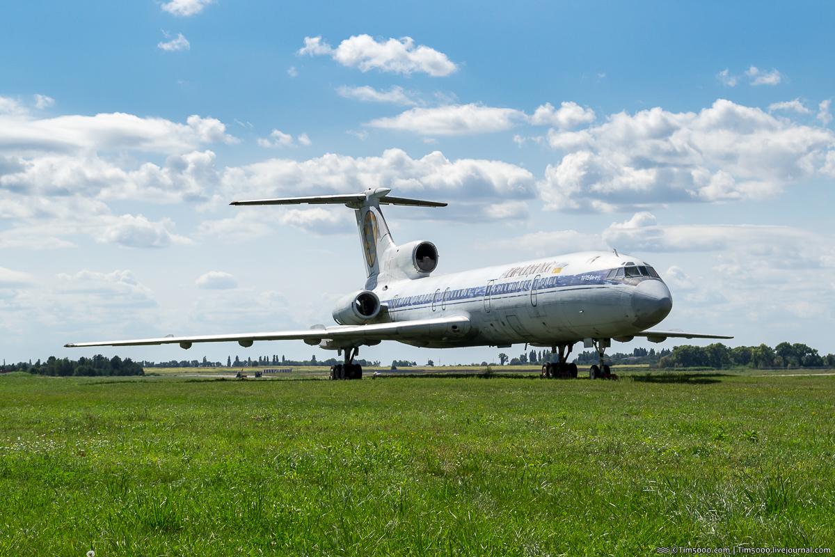 Boeing 737-200 UR-BVY Янки Аэросвит
