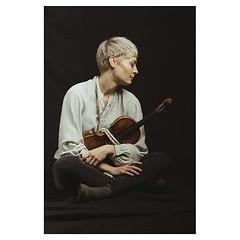 A last one, Verena and Jean . #xt3 #fujixt3 #fujifeed #fujifilm #fujilove #fujifilmfrance #myfujilove #fujifilm_xseries #fujifilmnordic #fujifilmme #fujifilm_uk #fujixfam #twitter #geoffroyschied #35mmofmusic @verenamariafitz #munich #portrait #musician #