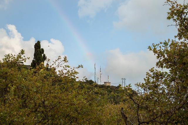 Βροχή, χαλάζι και ουράνιο τόξο στην Ψίνθο (14/10/2018)