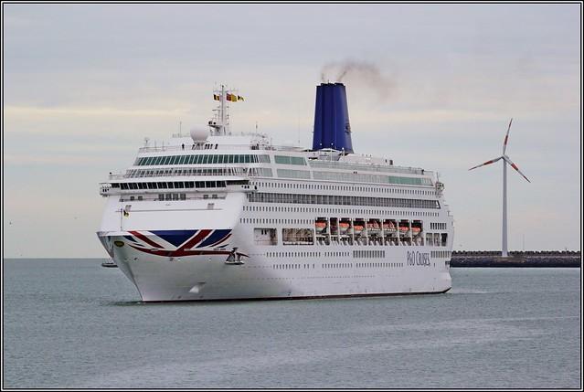P O Cruiseship Oriana, Canon EOS 60D, Canon EF 70-200mm f/4L