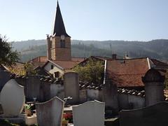 Saint Nizier d'Azergues: l'église vue du cimetière - Photo of Meaux-la-Montagne