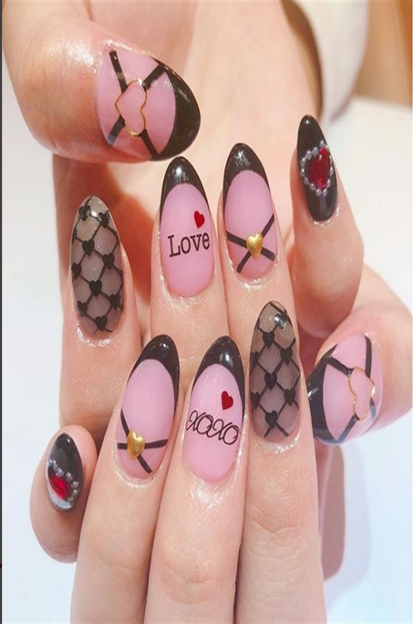 \Top 33 Lovely Heart Nail Art Design Trendy Ideas #heart_nails #heart_nail_art #trendy_nail_art_design