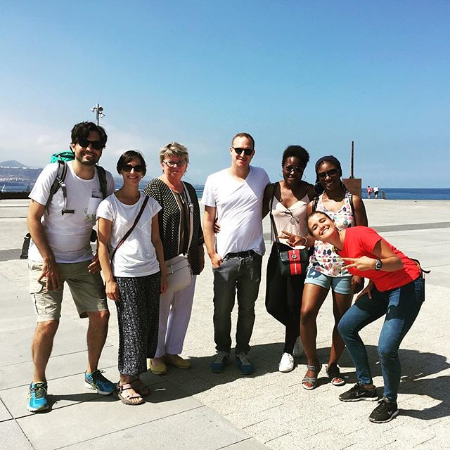 Such a perfect afternoon for a team trip around the town! And we could see Tenerife just from here. . . . . #localsknow #teams #travel #urbanadventures #grancanariaurbanadventures #citytour #tripadvisor #grancanaria #foodieandtours #laspalmas