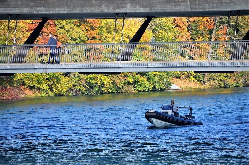 Boat on River Aare 20.10.2018
