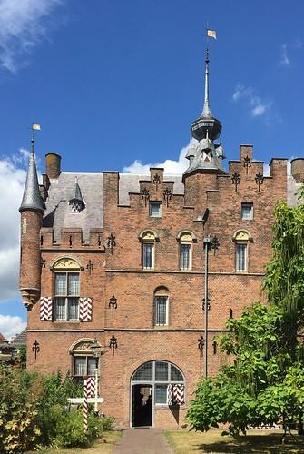 Zaltbommel, Maarten van Rossumhuis
