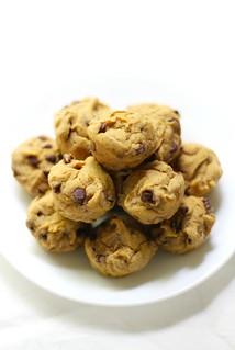 Mini-Chocolate-Chip-Pumpkin-Muffins-3